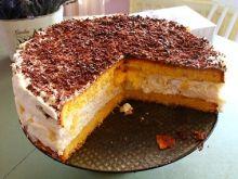 Tort bezowy ze śmietaną