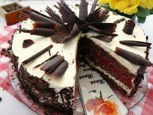 Tort czekoladowo malinowy