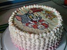 Tort czekoladowo- malinowy z orzechami