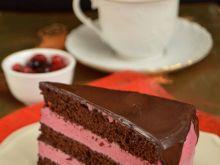 Tort czekoladowo - owocowy