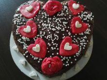 Tort czekoladowy z malinową nutką