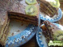 Tort czekoladowy z porzeczką brzoskwinią