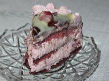 Tort jagodowo-wiśniowy