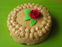 Tort  kajmakowo- cappuccinowy