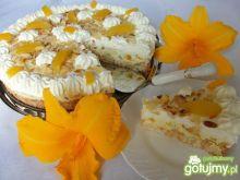 Tort kokosowy  najeżony bakaliami
