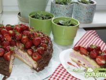 Tort- Kosz truskawek