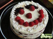 Tort malinowy uśmiech