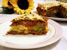 Tort naleśnikowy z mięsem mielonym i  brokułem