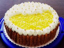 Tort o smaku ajerkoniaku