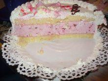 Tort o smaku malinowym