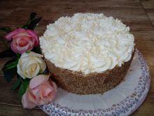 Tort orzechowo - jablkowo - śmietankowy