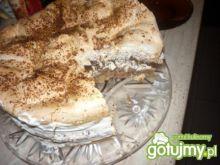 Tort orzechowy z bezą