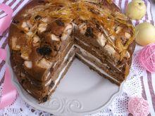 Tort piernikowy z jabłkami i nitkami z karmelu
