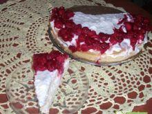 Tort smietankowo-wisniowy
