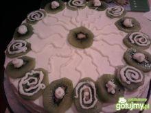 Tort śmietankowy z kiwi