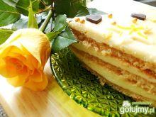 Tort śmietanowy rumowo-marcepanowy