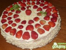 Tort śmietanowy z truskawkami 2