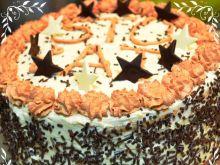 Tort świąteczny z chałwą i bezikami