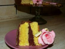Tort urodzinowy o smaku mango czekolada