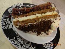 Tort urodzinowy wiśniowo - malinowy