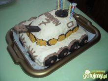 Tort w kształcie czołgu