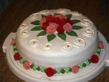 Tort waniliowy z wisniami