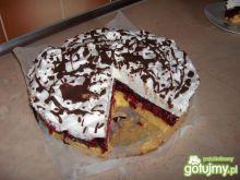 Tort wiśniowo-śmietanowy