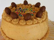 Tort z kremem kajmakowym
