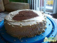 Tort z kremem maślanym i dżemem