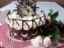 Tort z kremem szampańskim i kryzą czekoladową