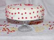Tort z makiem i śmietaną
