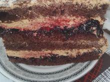 Tort z masą krówkową i dżemem porzeczkowym