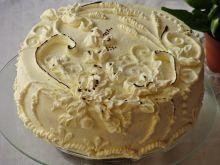 Tort z masą serowa i truskawkami
