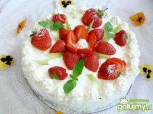 Tort z truskawkami z kokosem