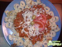 Tortellini z potrawką z cukinii