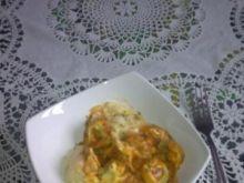 tortelloni w sosie pomidorowym