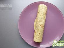 Tortilla z kurczakiem i kiełkami
