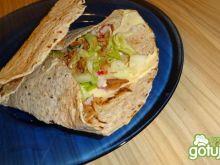 Tortilla z łososiem i rzodkiewką