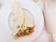 Tortilla z warzywami i kurczakiem