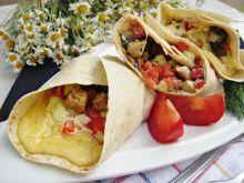Tortille z kurczakiem, serem i pieczarkami