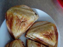 Tostowe kanapki ze smażonym kurczakiem