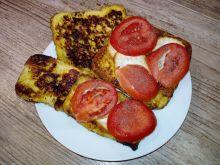 Tosty prowansalskie z serem i pomidorem