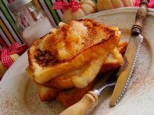 Tosty z prażonym jabłkiem i cynamonem