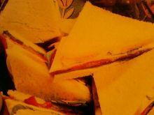 Trójkątne kanapki z szynką i serem