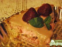 Truskawkowa tarta z czekoladową nutką