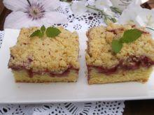 Truskawkowe ciasto na maślance z kruszonką. - Truskawkowe ciasto na maślance z kruszonką.