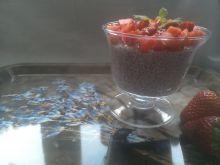 Truskawkowy pudding chia