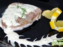 Tuńczyk pieczony w sosie
