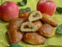 Twarogowe pierożki z jabłkami