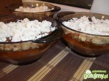 Twarogowy deser z bezami